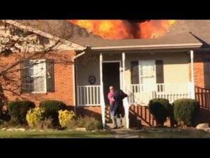 178b18c62db84c711261fd3e3def19c8-300x217 火事の夢診断まとめ保存版!救助、火傷、家燃...